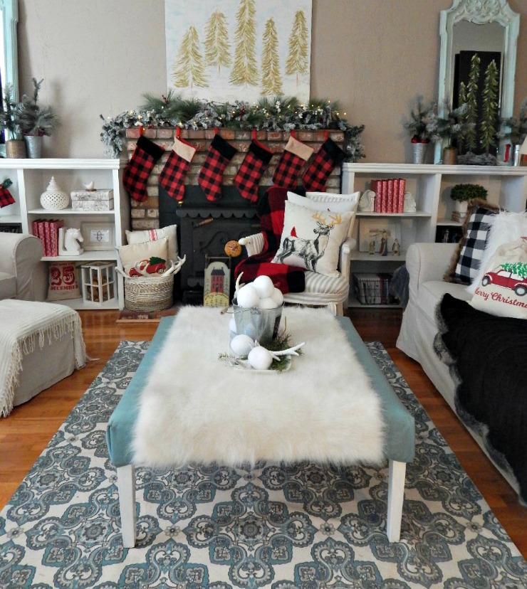 Cozy Buffalo Plaid Christmas Decor