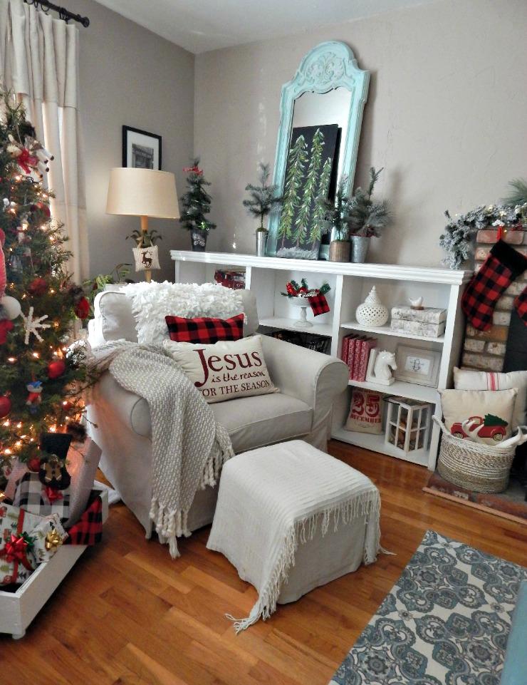 Farmhouse Christmas Cozy Buffalo Room